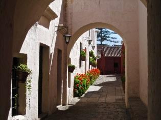 """""""White Alley"""" - Peru"""
